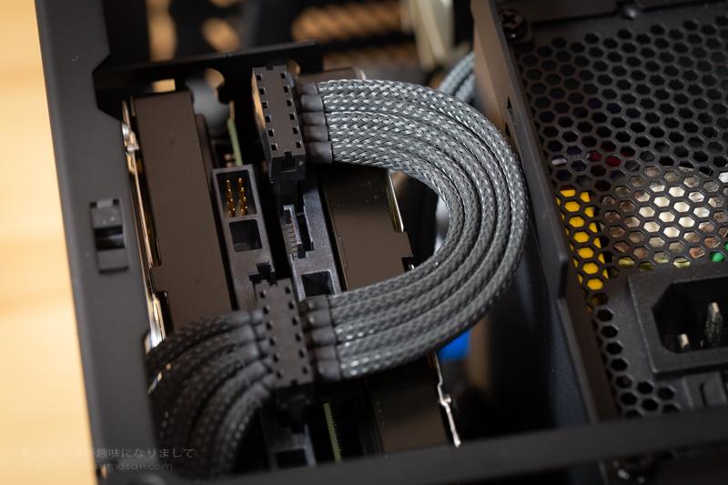連結sata電源ケーブル完成